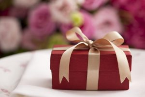 6 Steps to make YOU the Best Wedding Guest!! 2