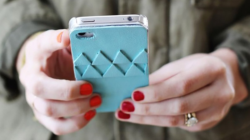 Unique DIY Ideas to Customise Your Own Phone Case 4