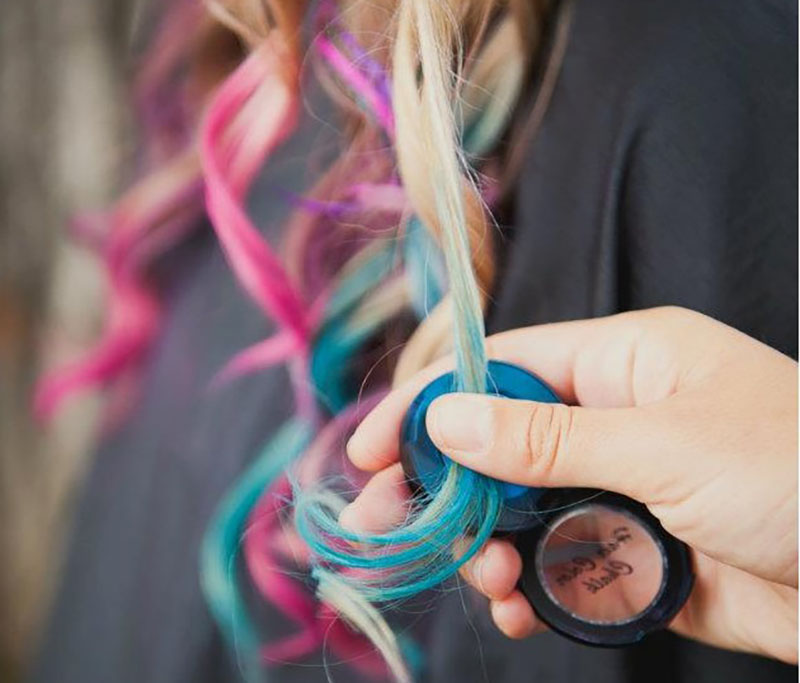 Awesome DIY Hair Chalk Ideas for Stunning Look 7