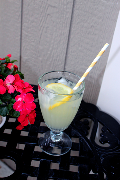 Ultra-fresh, DIY lemonade pitcher