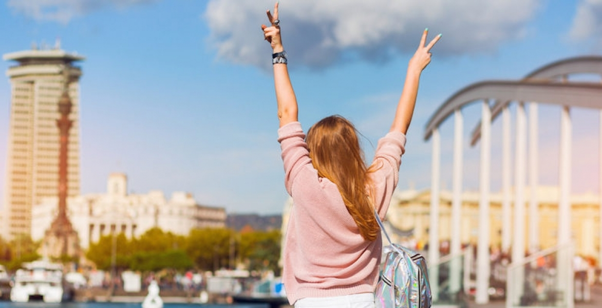 7 essential beauty products when you are travelling!!