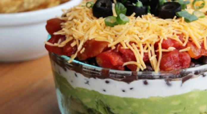 Having Game Night? Here are 7 superb party dip recipes