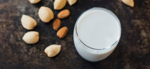 Advantages of Almond Milk vs Cow Milk