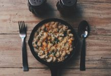 Amazing pasta recipes: Crockpot Bacon, Macaroni and Cheese